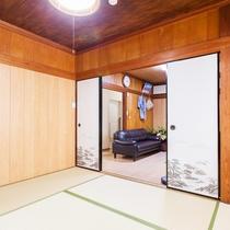 和室には布団をご用意、小さなお子様も安心です