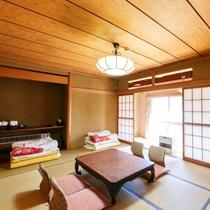 【個室】4名様まで泊まれる広め和室。