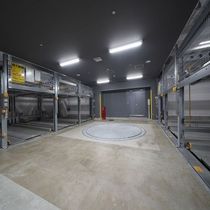 駐車場(※1階に18台完備、1泊1,500円)