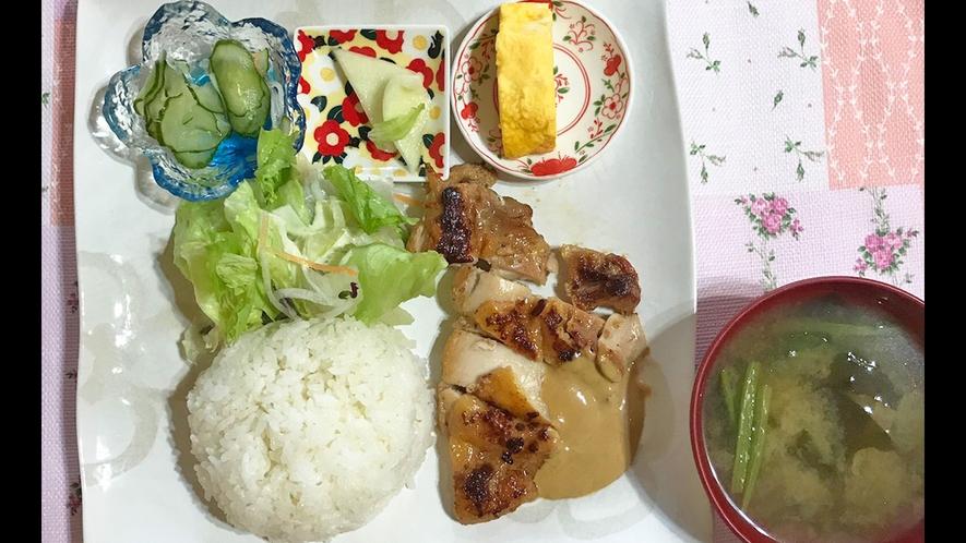 【ランチメニュー】チキンのニンニク焼きでスタミナを!