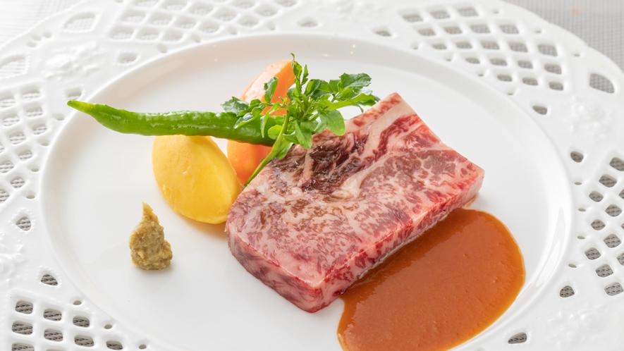 【夕食】肉料理・ビーフ