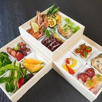 北海道産食材がぎゅっと詰まった「特製ビストロ重」※写真は2名様分です
