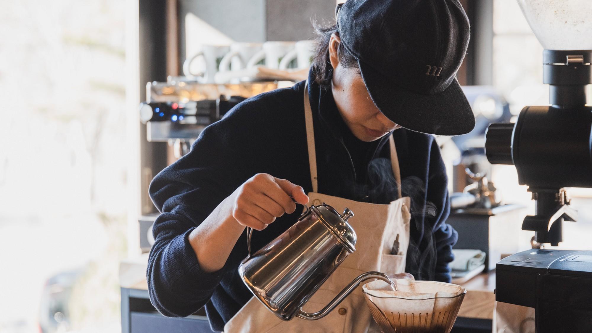 【CAFE】カフェスタッフがハンドドリップでお淹れいたします。