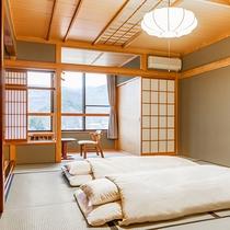 山側12畳のお部屋 お布団を敷いた一例