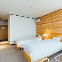 【洋室ツイン】木のぬくもりのあるお部屋