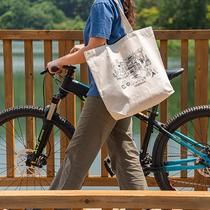 蓼科湖のかわいいイラストが描かれたオリジナルトートバッグ