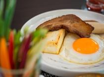 【朝食料理一例】