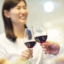 フランスワイン、カクテル、ソフトドリンクなど豊富なドリンクメニューからお選びください。