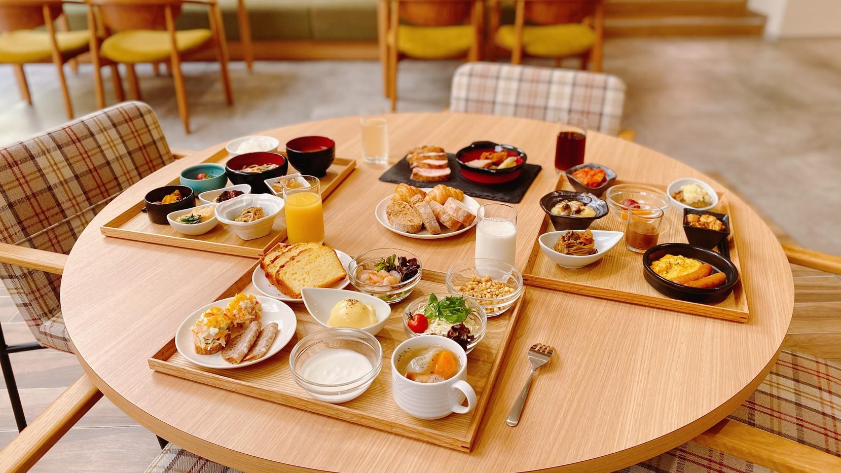 【朝食ブッフェ】120席の広々とした会場でお召し上がりください。