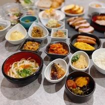 【朝食】30種以上の日替わりメニュー。