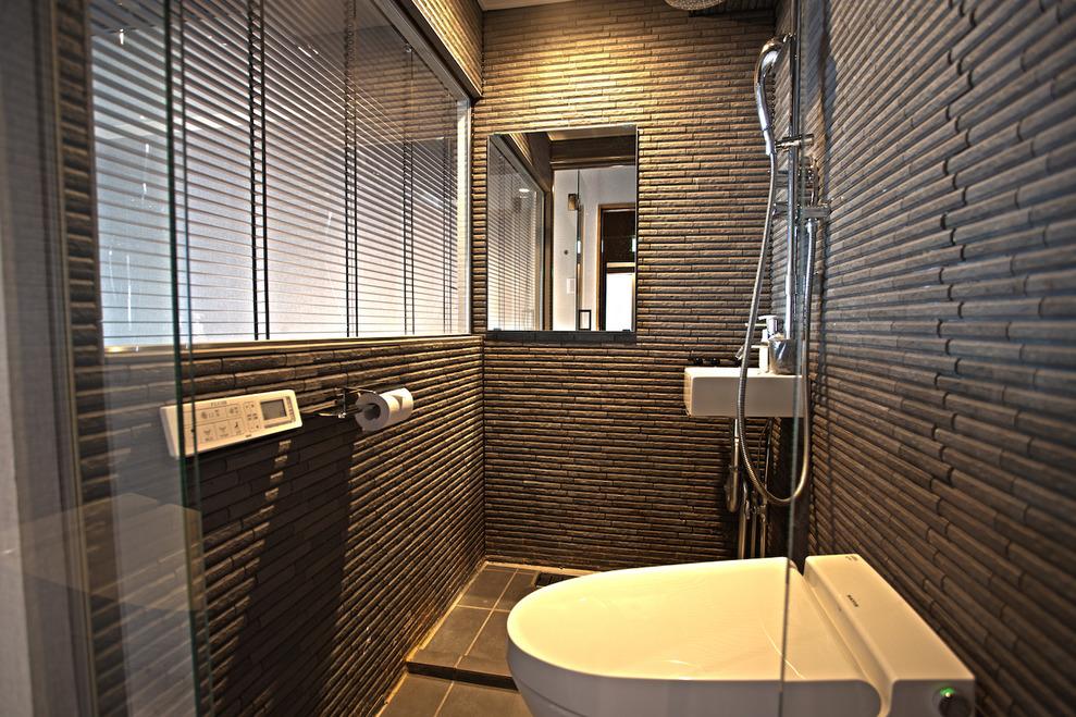 ホテル&ホステルSEVENGARDEN東京浅草|スタンダードトリプルルーム バスルーム