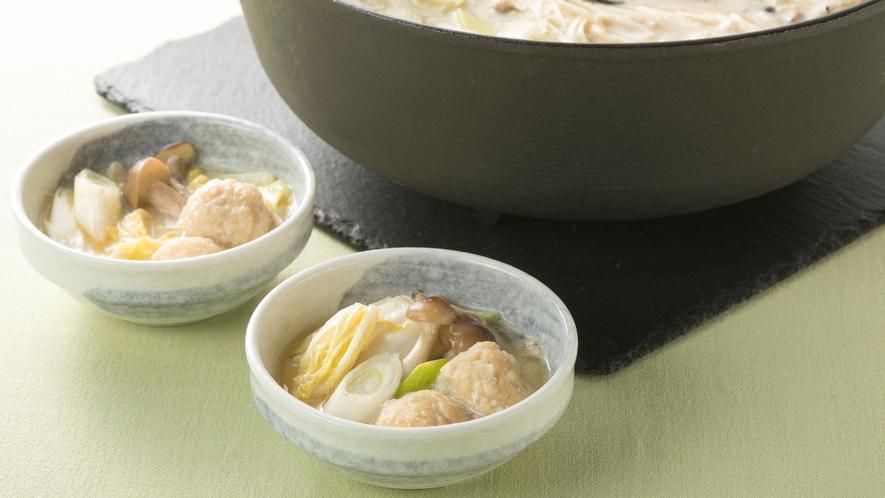 <朝食>【奈良名物】飛鳥鍋 鶏ガラの出汁と豆乳で鶏つくねや野菜を煮込みました。