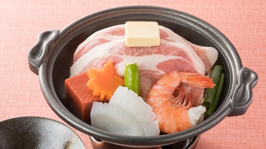 <レストラン「四季の蔵」>【一品料理】 大和ポークと海鮮陶板焼き