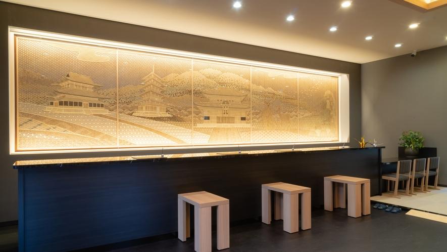 <フロント・ロビー>ロビーには奈良を表した「組子細工」を設置しています。
