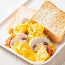 【朝食】千葉県産マッシュルームを使ったスクランブルエッグ