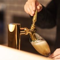 ビール好きなスタッフ達、ビール好きが注ぐビールは最高です。