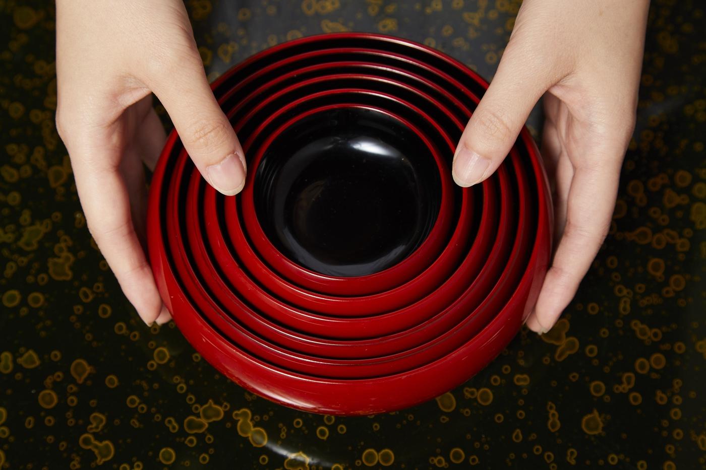 朝食:鉄鉢 食事後は、写真の様にまとめられます。