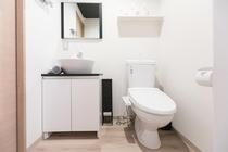 トイレはウォシュレット付きで清潔にご利用いただけます