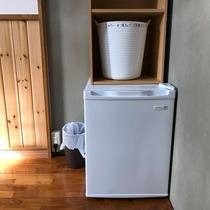 各お部屋に小型冷蔵庫完備
