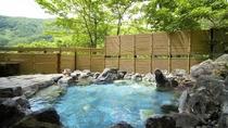 新緑の露天風呂(殿方用)