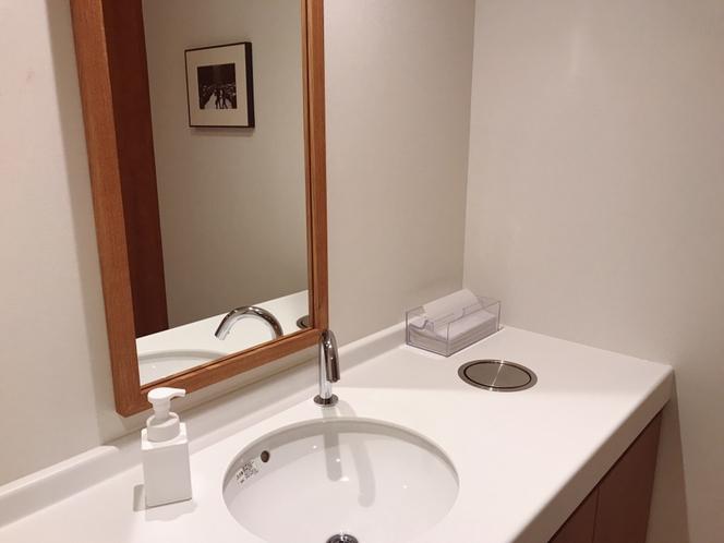大浴場内トイレ