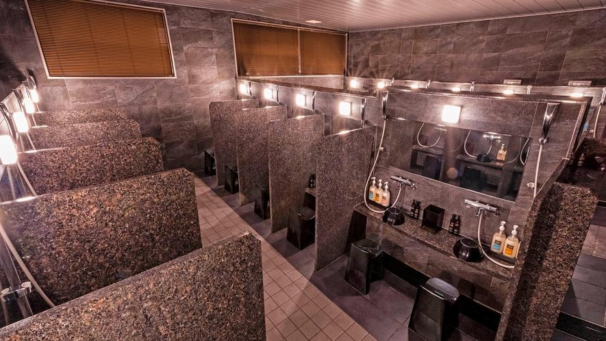 【大浴場】洗い場は、男性:14ヶ所、女性:23ヶ所をご用意しております。