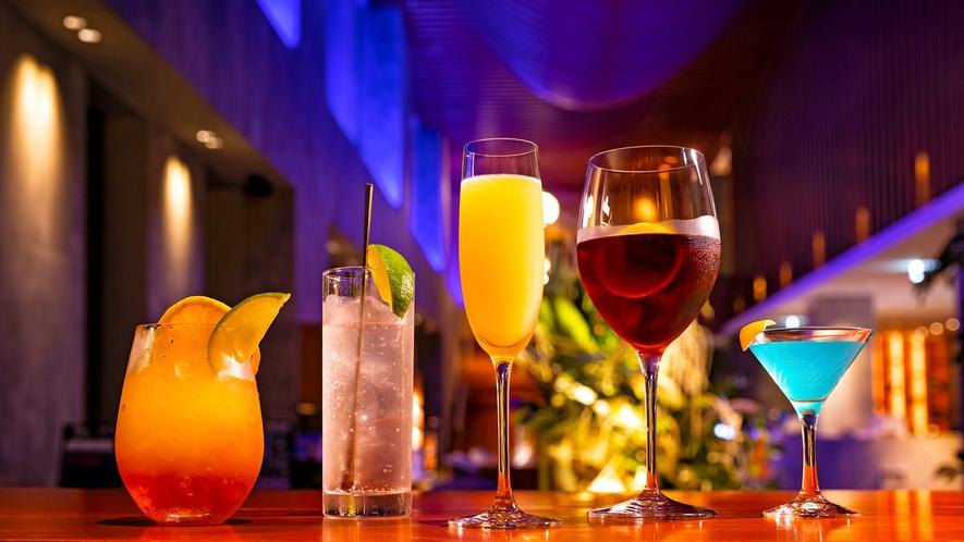 【ワインバー】季節ごとに変わるオリジナルカクテルの他、ノンアルコールカクテルもございます。