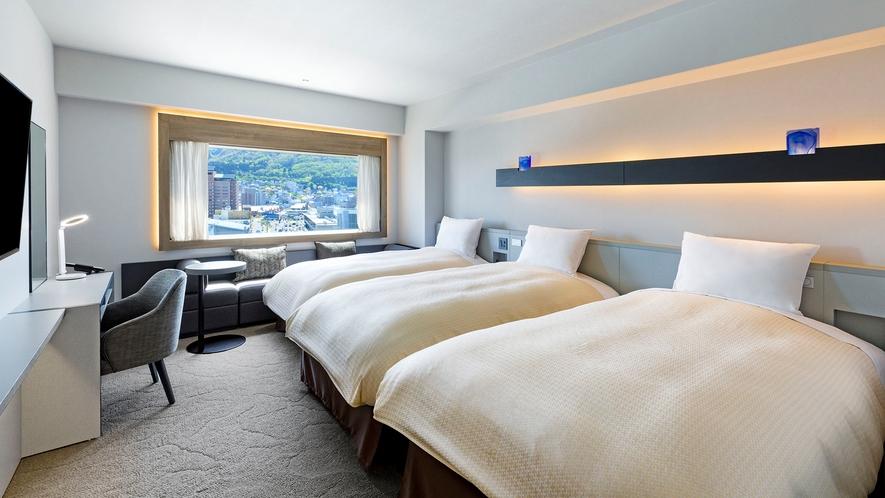 【客室】デラックスツイン/30㎡/こちらのお部屋タイプは全室函館山側を向いております。(最大3名)