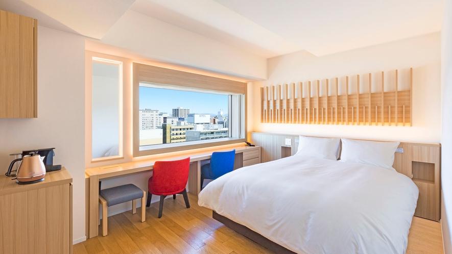 【客室】プレミアクイーン/22㎡/白木を基調とした高層階のお部屋です。