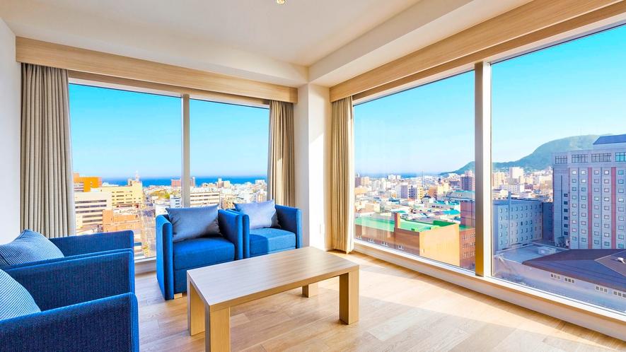 【客室】コーナースイート/54㎡/角部屋スイートルーム。唯一、『津軽海峡側』を向いた寝室があるお部屋