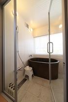 コテージ浴室