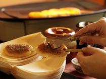 【サービス】五平餅には、異なる「味噌」をつけてお召し上がり下さい。