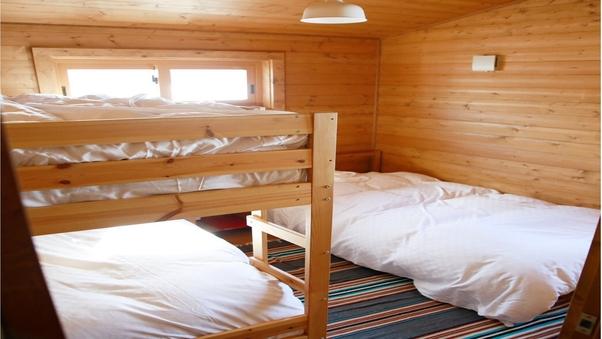 2段ベッド×1、シングル×1(マウンテンビュー)