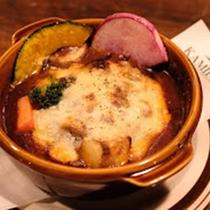 *レストランメニュー/牛バラとデミグラスの煮込みハンバーグ!サラダ or スープ・ライス付