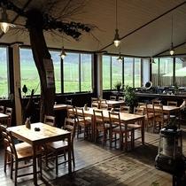 *レストラン/一面窓のためどの席でも景色をご堪能いただけます!