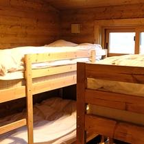 *客室一例/お子様が大好きな2段ベッド!窓からはやくらい山がご覧いただけます