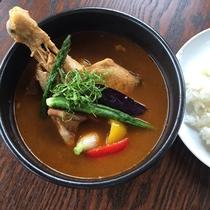 *レストランメニュー/イチオシのやくらいスープカレー☆チキンと地場産野菜のうまみが濃縮!