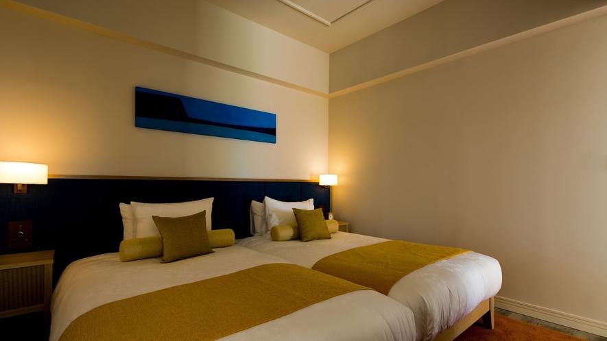 【ヒルサイド】プールヴィラスイート2F 落ち着いた雰囲気のベッドルーム
