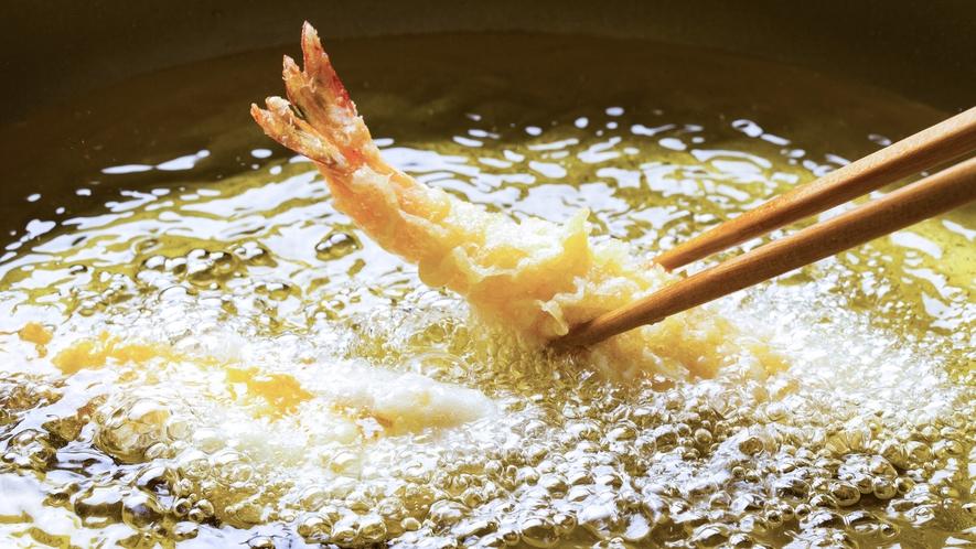 【蜃気楼(夕食一例)】海の幸や島野菜…季節毎に移ろう旬を、食材の味が引き立つ天ぷらでご賞味ください