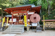 聖神社と和同遺跡
