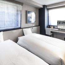 【ツインルーム】18.94㎡、ベッド 110cm×195cm 2台、バス・トイレ別