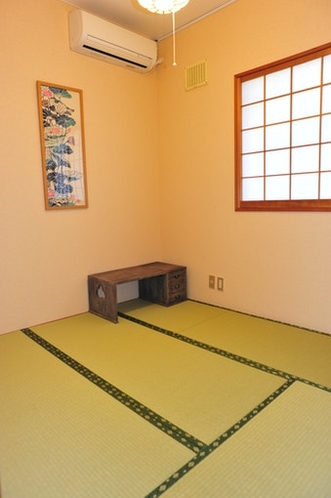 Small tatami room of the first floor.