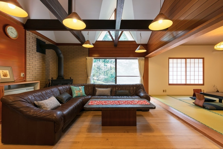 Living room with a tatami room on the right side.