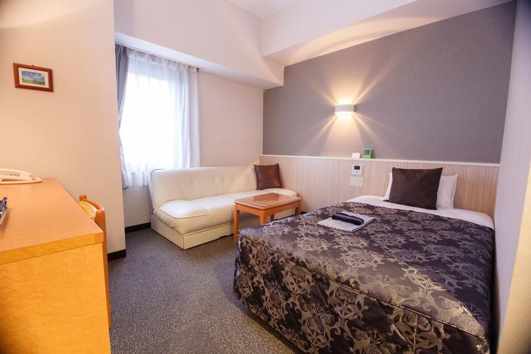 <デラックスシングル>シングルルームBにソファのついた広めのお部屋です。