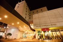 ホテル外観<夜>