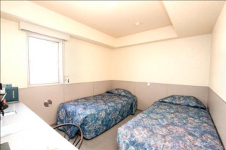 スタンダードツインルーム。ご家族、カップルでのご宿泊に。