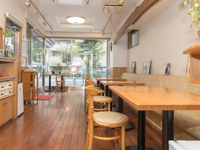 コーヒールーム(多目的ルーム)。お昼は喫茶店として営業しております。