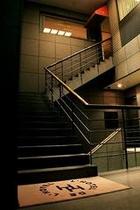 エントランス 吹き抜け階段