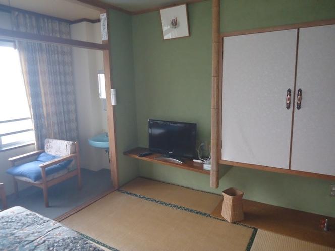 TV、洋服クロ-ゼット