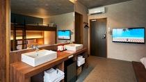 ・バンクベッドルーム/洗面台2か所設置で、大人数でも朝の身支度もスムーズに